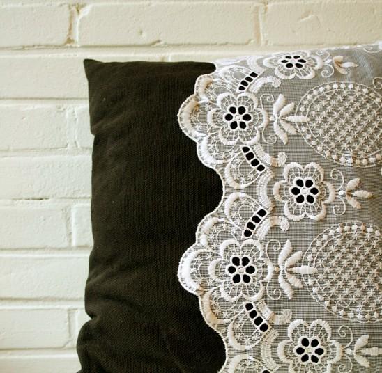 lace-pillow